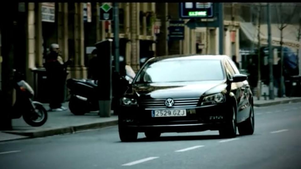Volkswagen - The new Passat- it gets into you