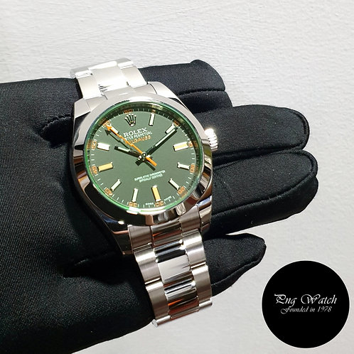 Rolex Oyster Perpetual 40mm Green Crystal Black Milgauss REF: 116400GV (20)(2)
