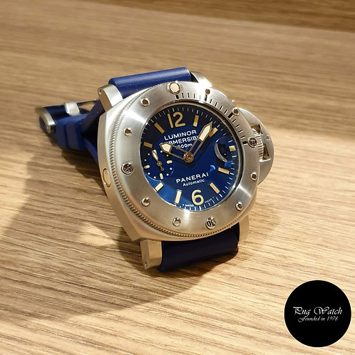 "Panerai Blue Tritium ""La Bomba"" Luminor Submersible PAM87 (D)(2)"