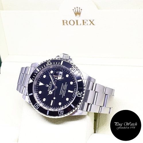 Rolex Oyster Perpetual Date Black Submariner REF: 16610 (V Series)