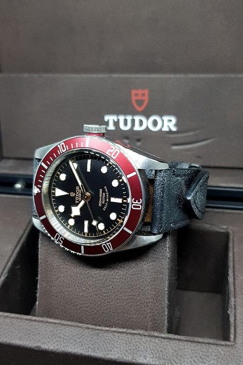 Tudor Black Bay Burgundy (Rose Dial) REF: 79220R