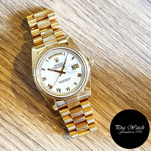 Rolex Oyster Perpetual 18K Yellow Gold White Roman Day-Date REF: 18078 (2)