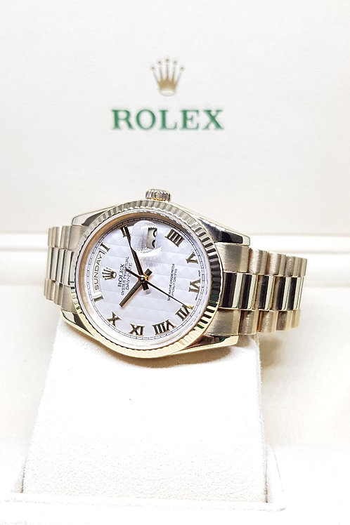 Rolex Oyster Perpetual 18K Yellow Gold Day-Date REF: 118238