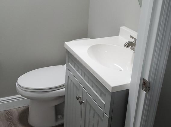 Ranch East Room 6 Bathroom.JPG