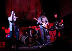Raine Vivian - Band
