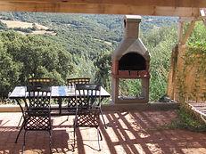 Terrasse des gîtes - barbecue et bain de soleil