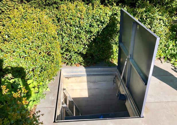 Abdeckung Pool-Serviceraum