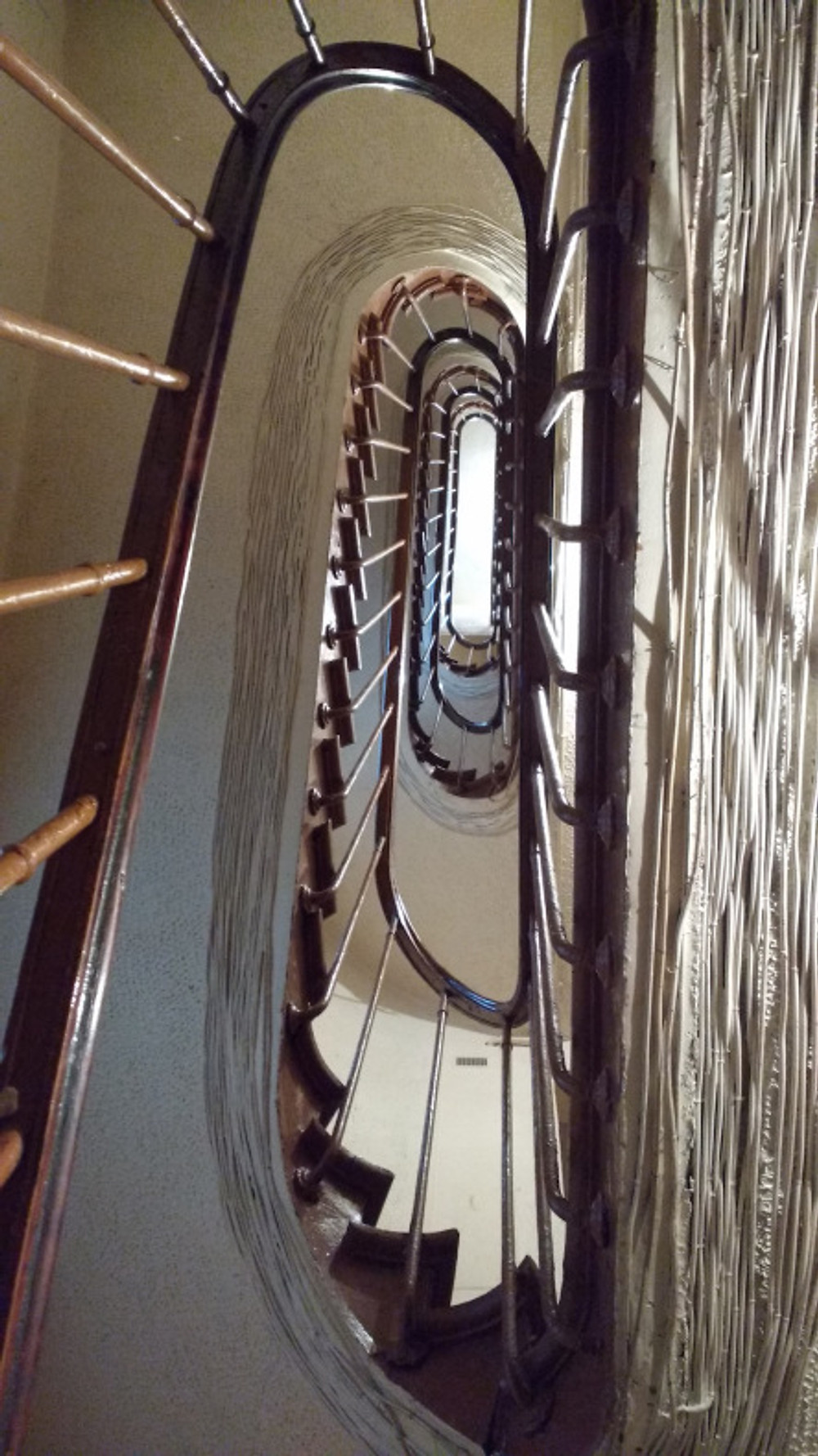 The staircases leading to apartments in Montorgueil and Montmartre were VERY narrow.