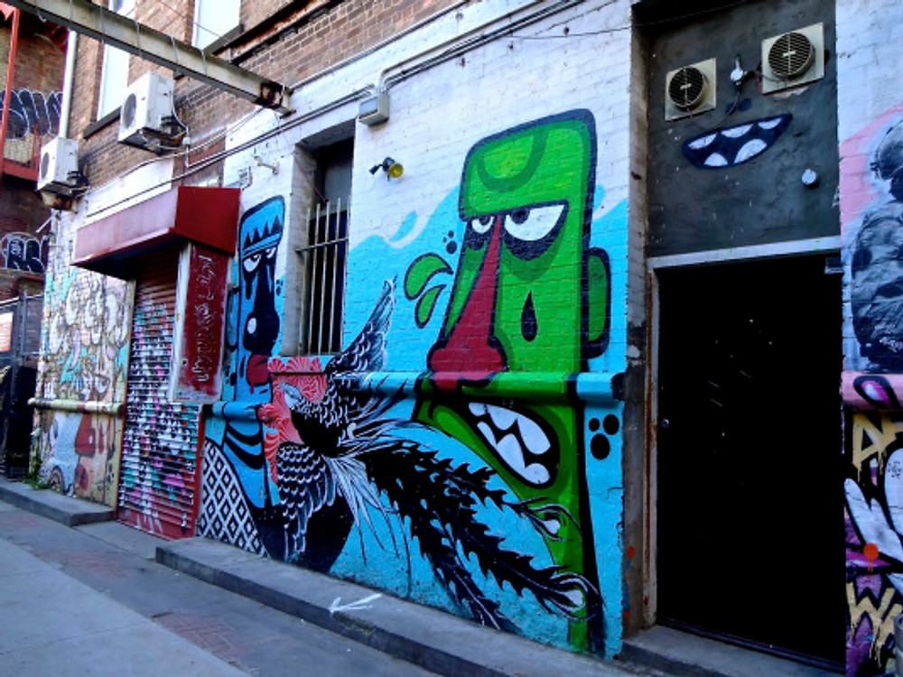 the street art in Melbourne will never cease to blow me away...one thing that Portland, while we have some good stuff, still can't compare to...