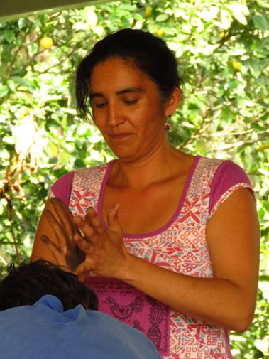 Paulina Alvarez - Bioconstruyendo/El Manzano