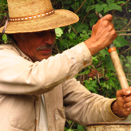 trabajando con campesinos