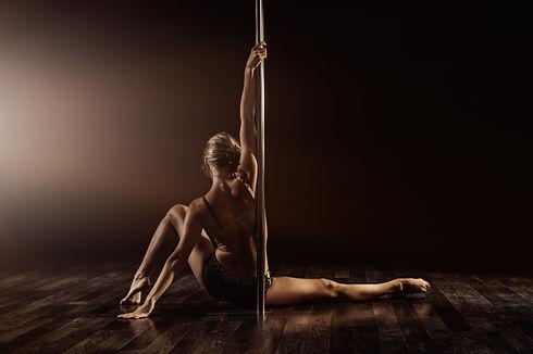 Art of pole dance Västerås.jpg