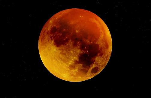 moon-963926_960_720.webp
