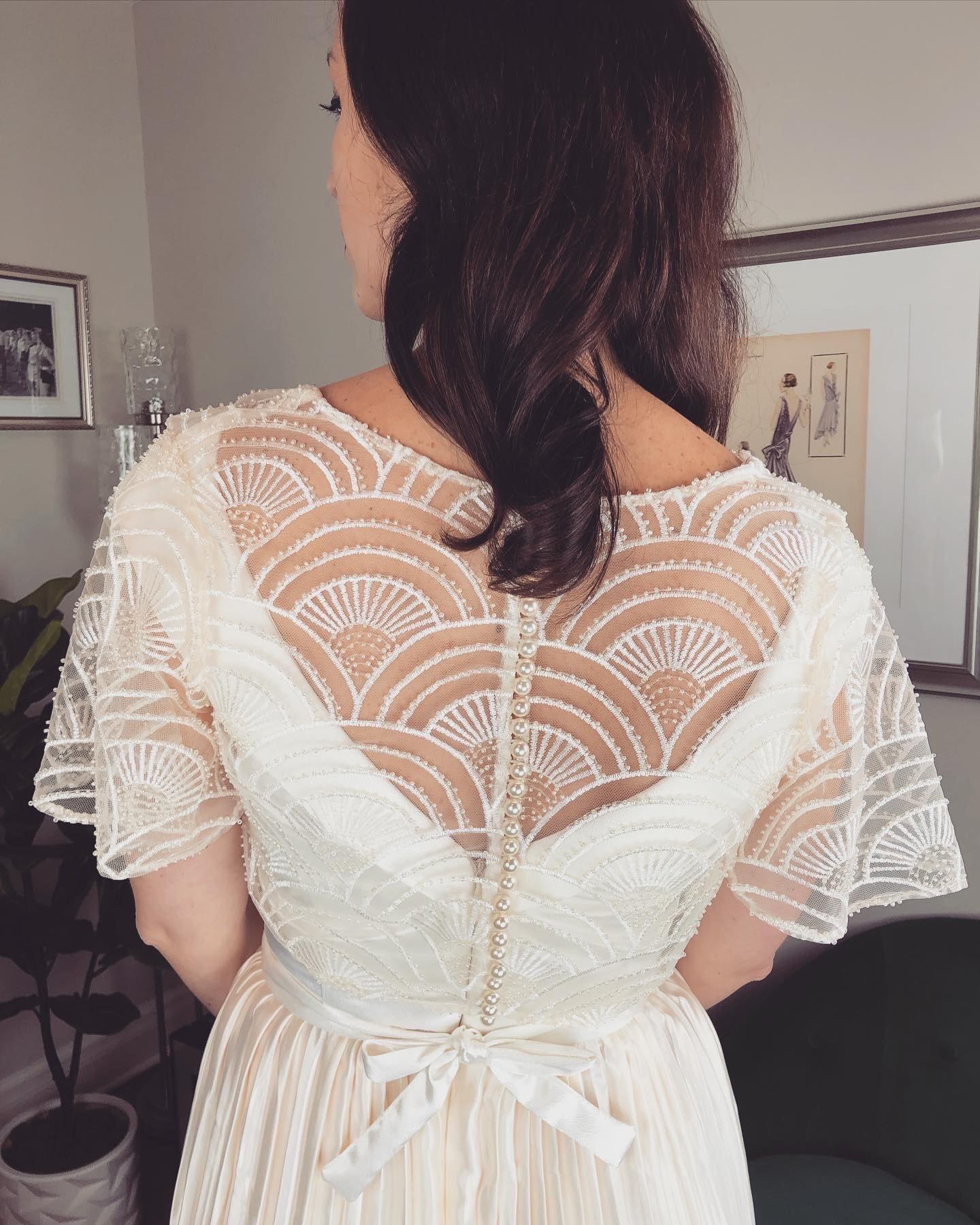 Detail Dress Back