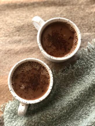 CHOCOLATE CALIENTE CON ADAPTÓGENOS