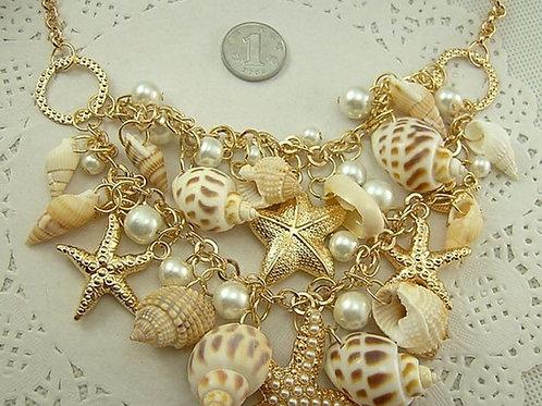 Collar de Caracoles/ Snail Necklace