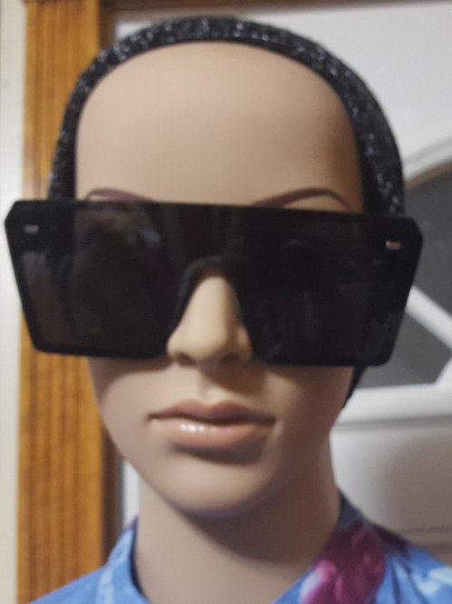 Dark sunglasses ( 1 Left)