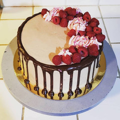 choc rasp drip cake.jpg