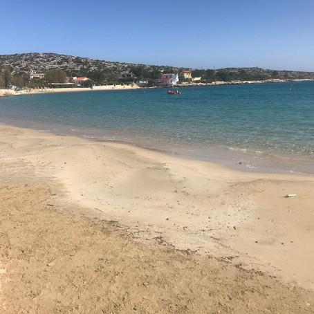 Maráthi, Creta, il pedicure e... la base militare.