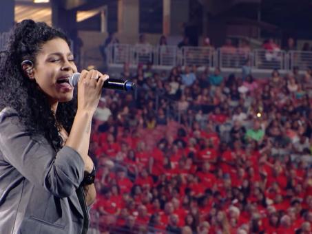 American Idol singer Jordin Sparks Sings at the Harvest America Event & Crusade