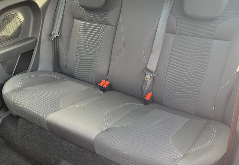 Seats Rear Left 1.JPG