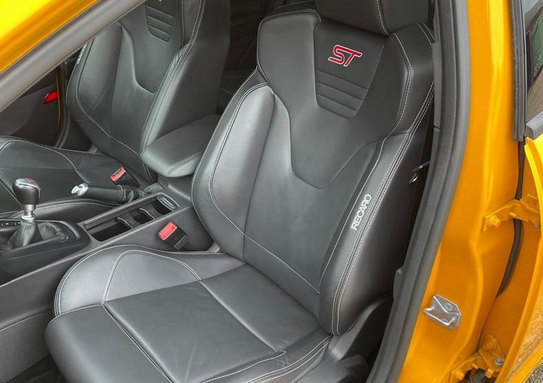 Seats Front 1.JPG