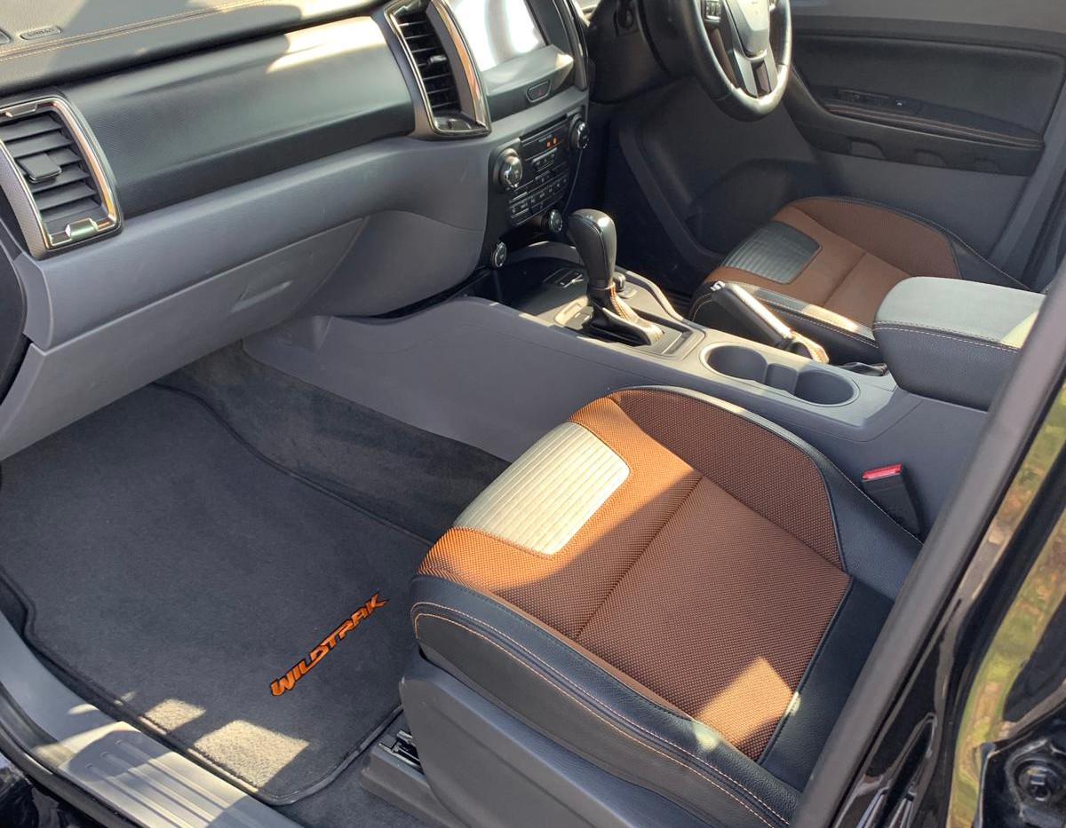 Seats Front Left 1.JPG