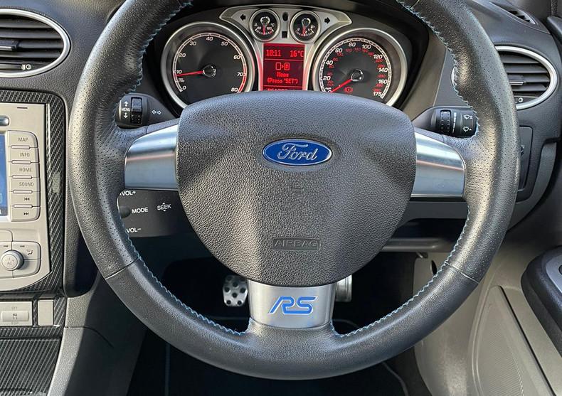 Steering Wheel 2.JPG