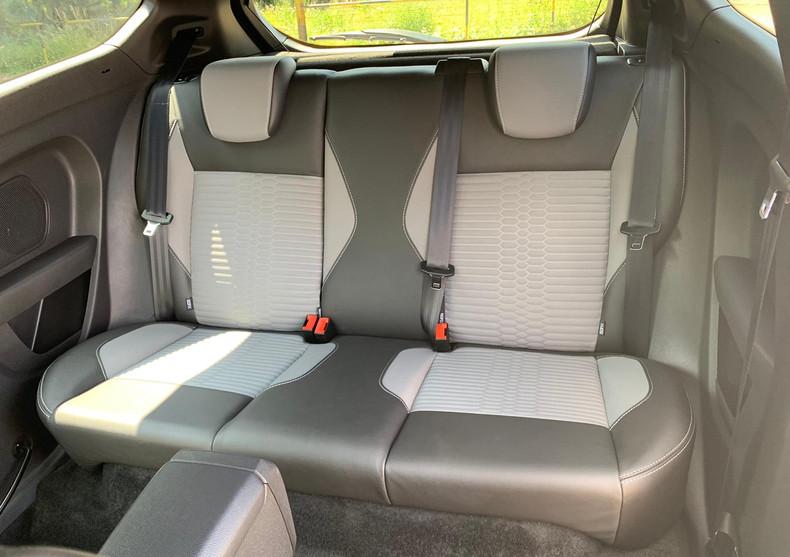 Rear Seats 1.JPG