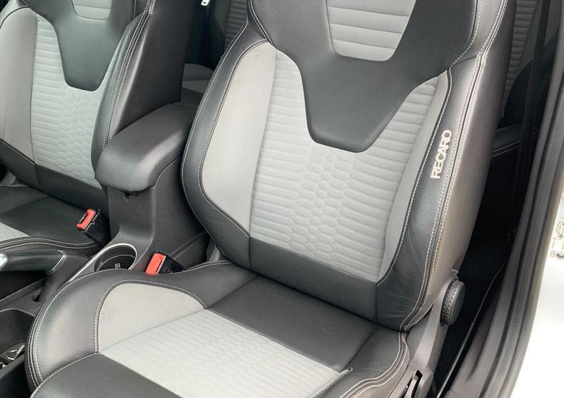 Seats Back Front Left 1.JPG