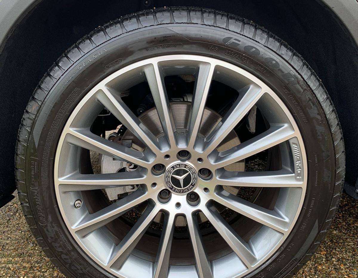 Wheel Right Rear .JPG