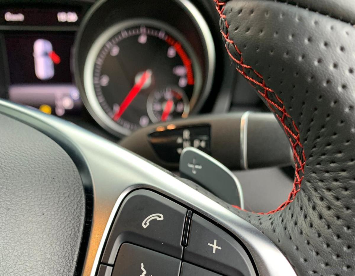 Steering Wheel Close 3.JPG