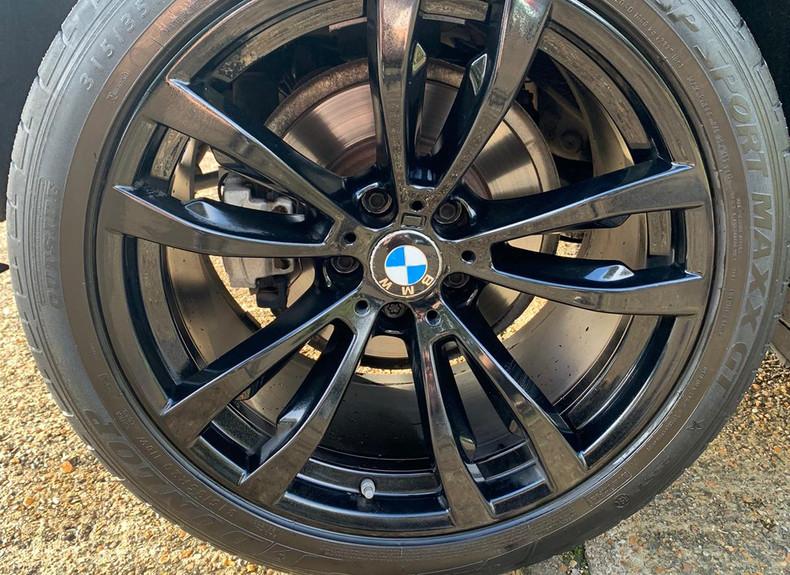 Wheel Right Rear 1.JPG