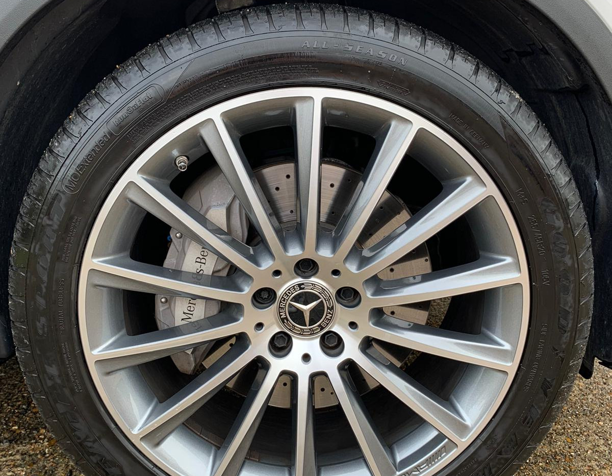 Wheel Right Front .JPG