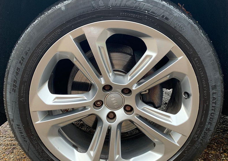 Wheel Front Left 1.JPG