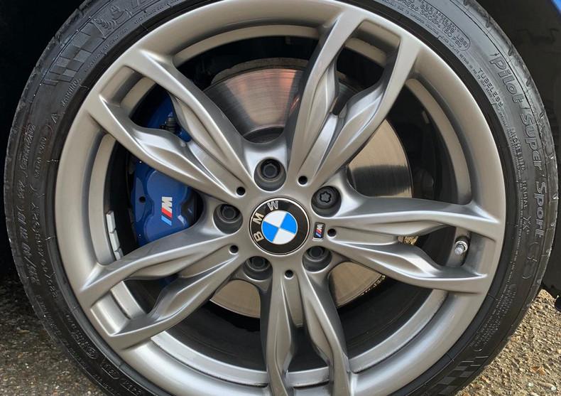 Wheel Front Right 2.JPG