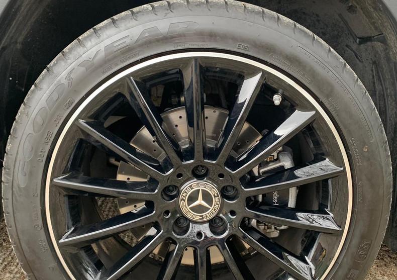 Wheel Front Right 3.JPG