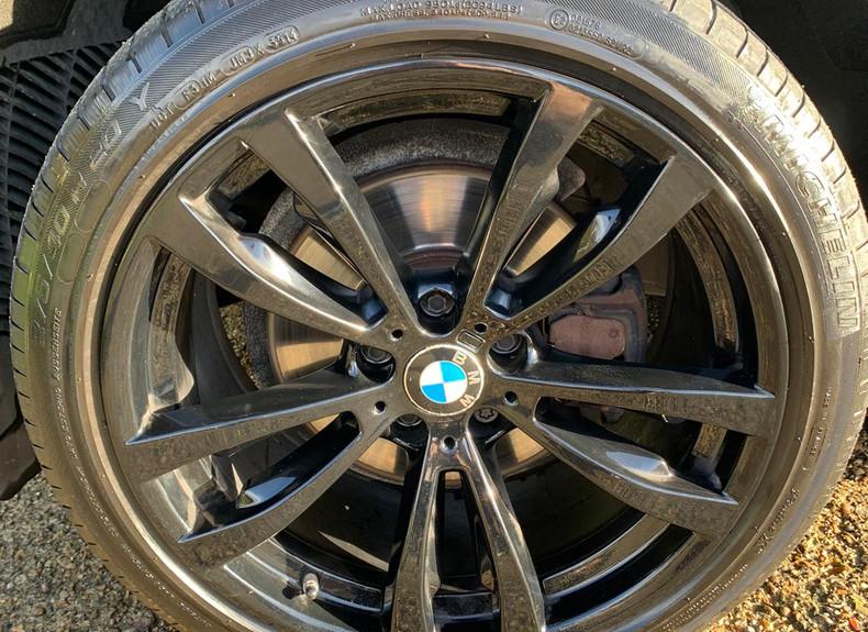 Wheel Left Front 1.JPG