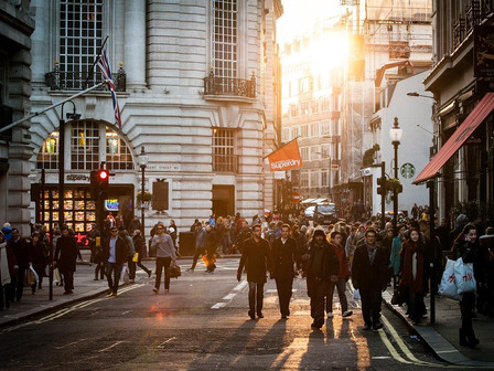 Is online shopping the 'nail in the coffin' for the UK high street?
