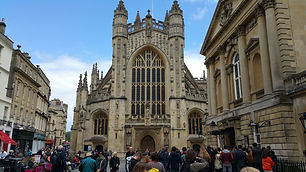Bath tour and Stonehenge tour  / www.windsortaxitours.com