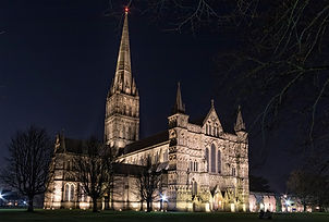 Salisbury Cathedral tour and Stonehenge / www.windsortaxitours.com