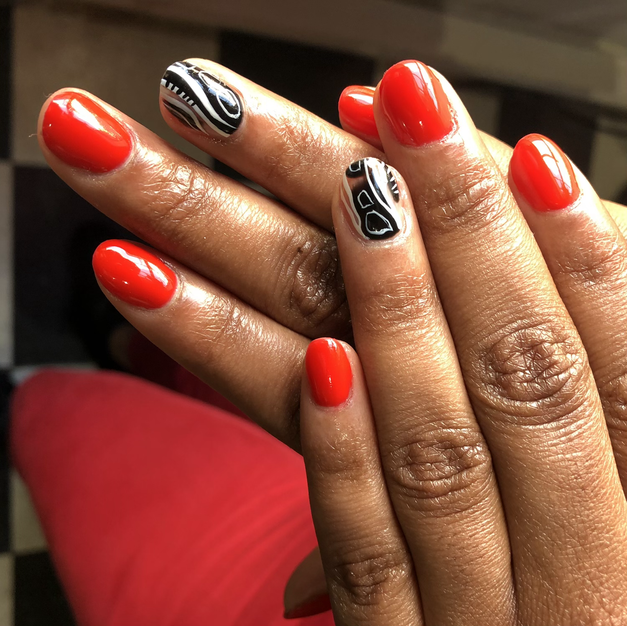 Gel Manicure With 2 Freestyle Accent Nails