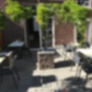 La terrasse du restaurant Les Coloriés à Oleye