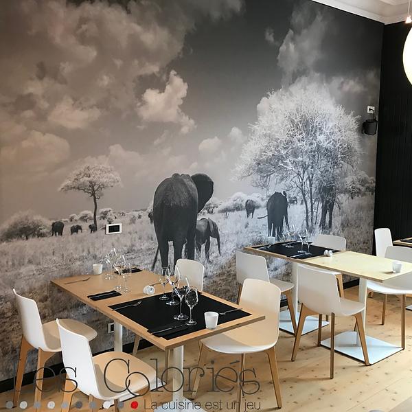 Salle du restaurant Les Coloriés à Oleyes