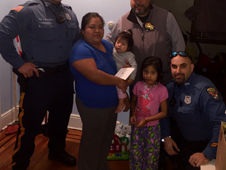Bogota Officers Give Thanks To Residents