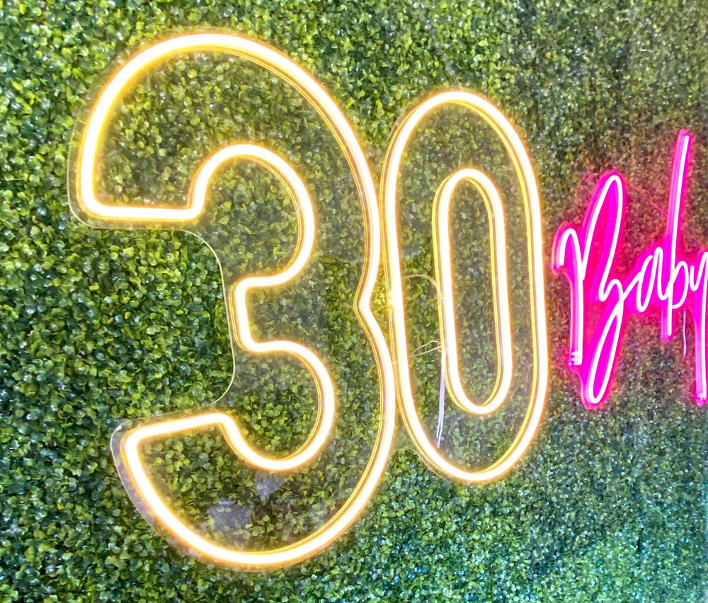 '30 Baby' neon lights