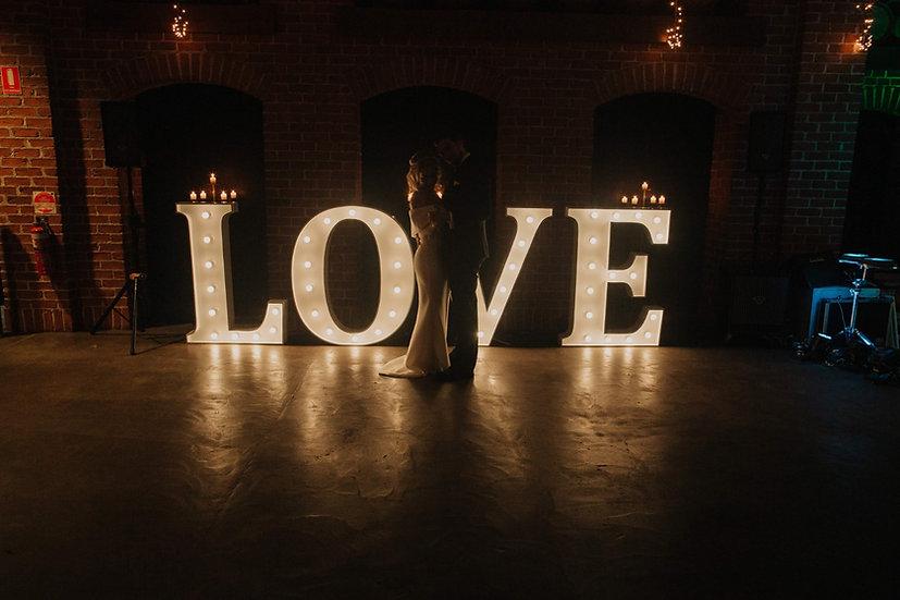 LOVE - Light up letters