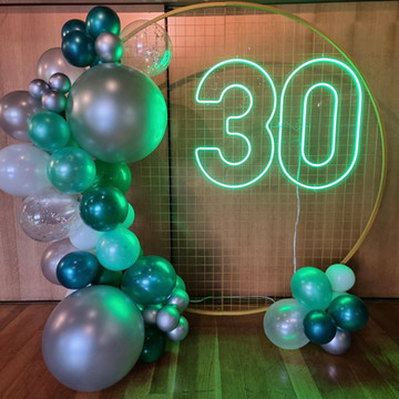30 Neon and Stand_Darling and Co_Balloon
