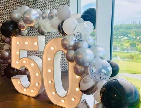 50_RACV Royal Pines_Balloon Garland by C