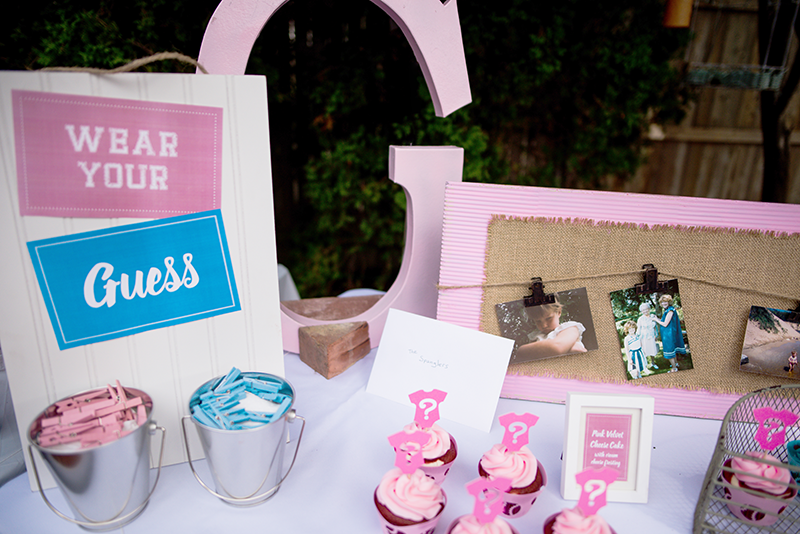 Gender Reveal: Welcome Table
